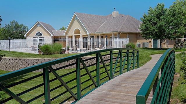 pinnacle woods apartments 5000 clinton parkway lawrence ks 66047